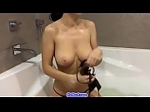 Beautiful Hungarian Teen Girl Show Body In Bed